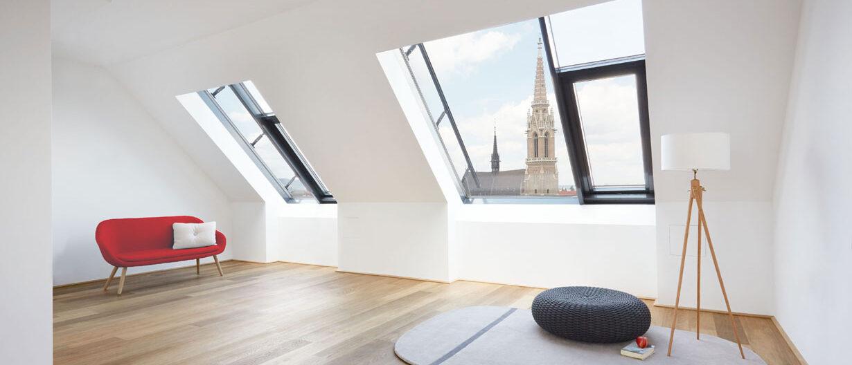 Wohnzimmer im Dachgeschoss Ausblick auf Stephansdom